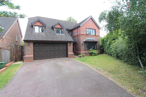 4 bedroom detached house for sale - Middlefield Avenue, Knowle