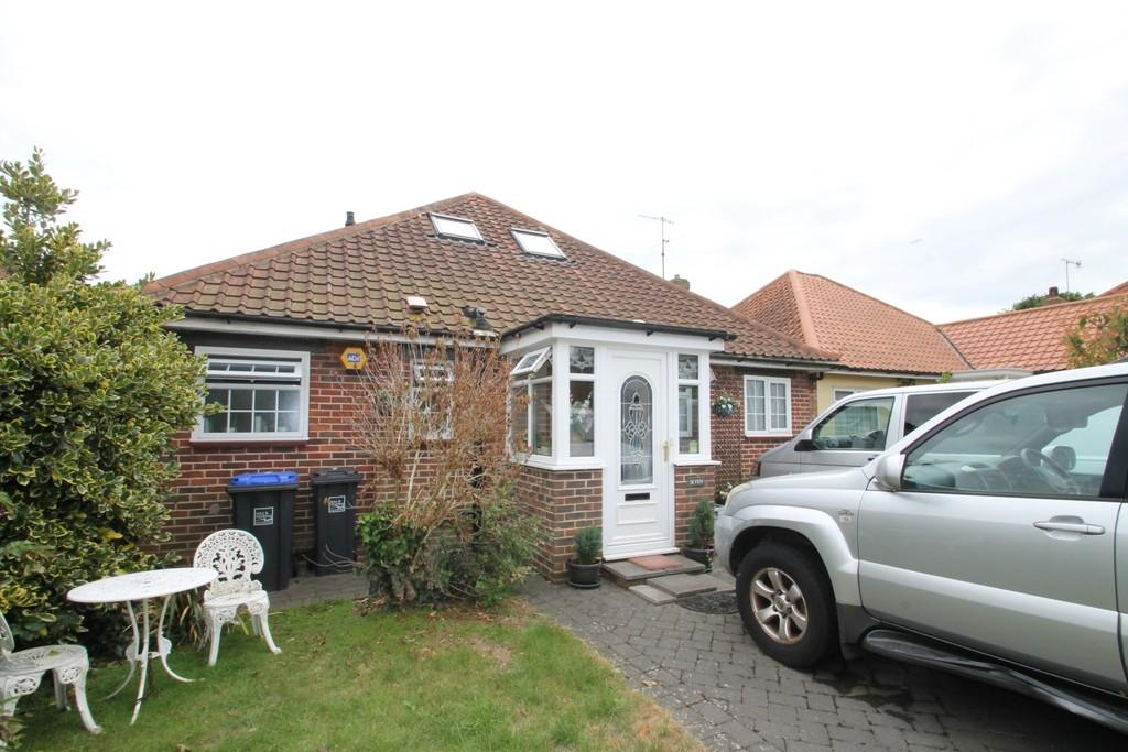 3 Bedrooms Chalet House for sale in Offington Court, Worthing, BN14 9PF