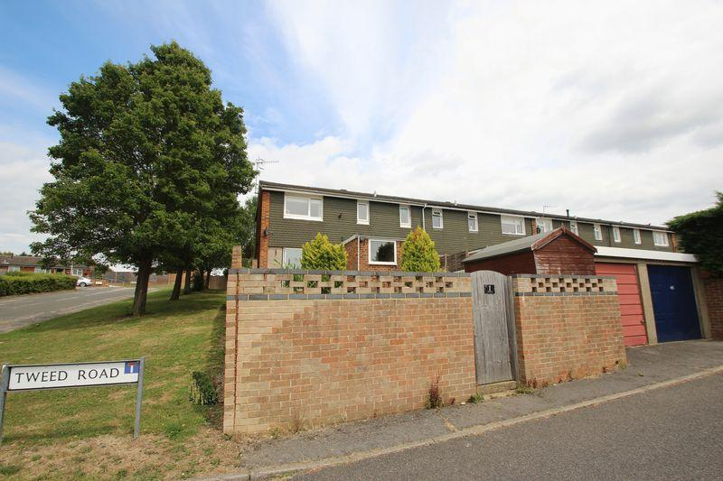 3 Bedrooms Terraced House for sale in Tweed Road, Tonbridge
