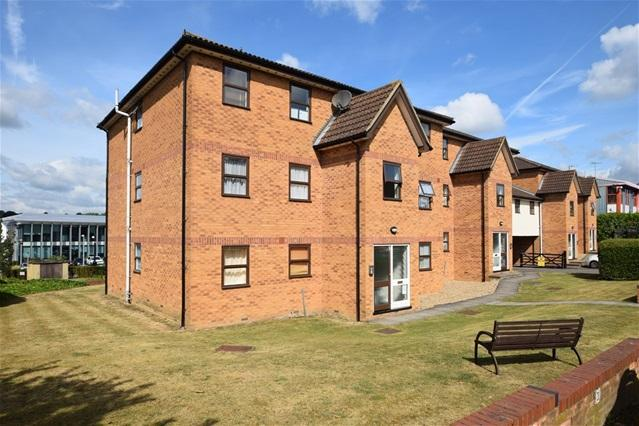 2 Bedrooms Flat for sale in Station Approach, Kings Langley