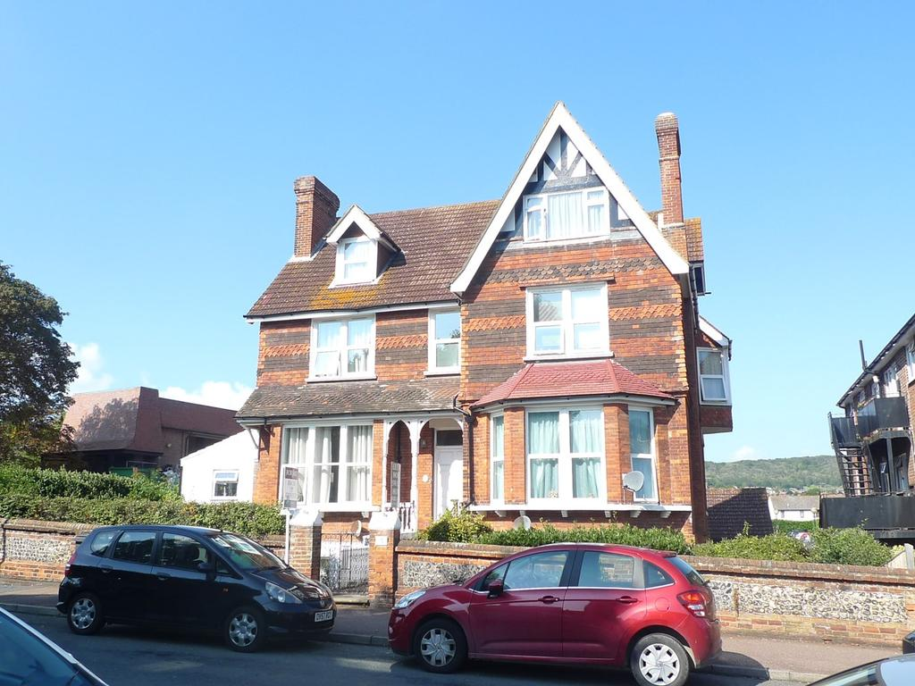 2 Bedrooms Apartment Flat for sale in Moat Croft Road, Old Town, Eastbourne, BN21