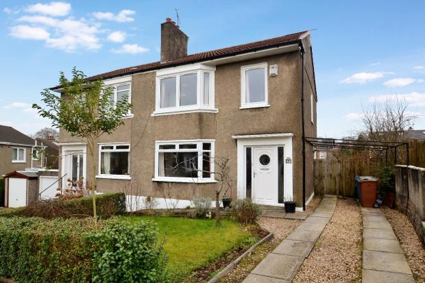 3 Bedrooms Semi Detached House for sale in Garve Avenue, Cathcart, G44