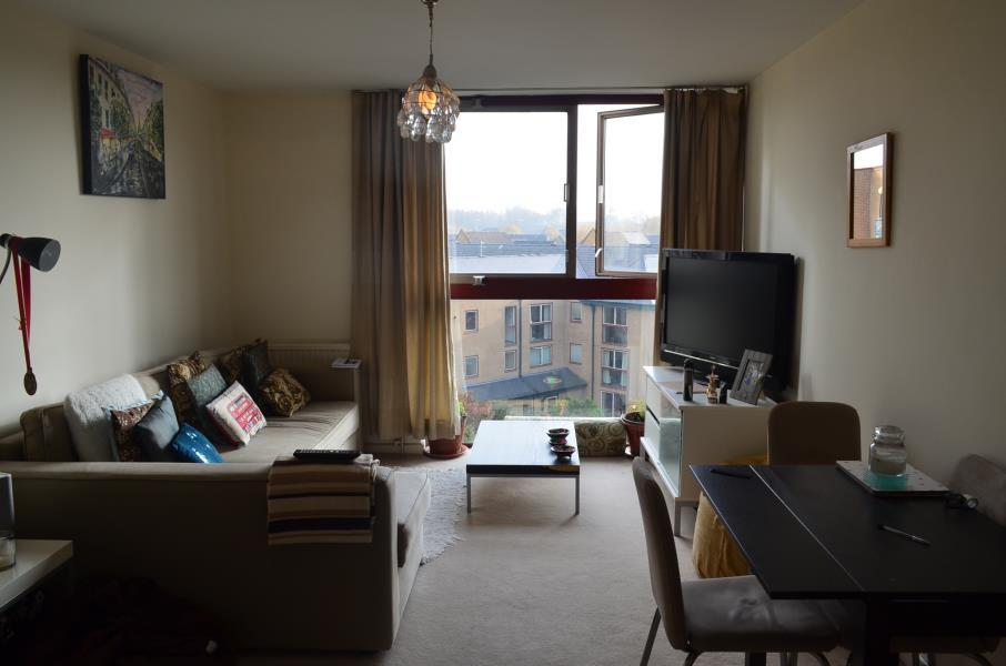 1 Bedroom Apartment Flat for sale in Tradewinds Court - Asher Way - E1W