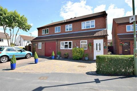 3 bedroom semi-detached house for sale - Shirley Road, ABBOTS LANGLEY, Hertfordshire
