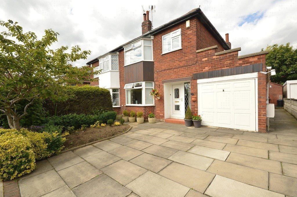 3 Bedrooms Semi Detached House for sale in Kirkwood Drive, Cookridge, Leeds