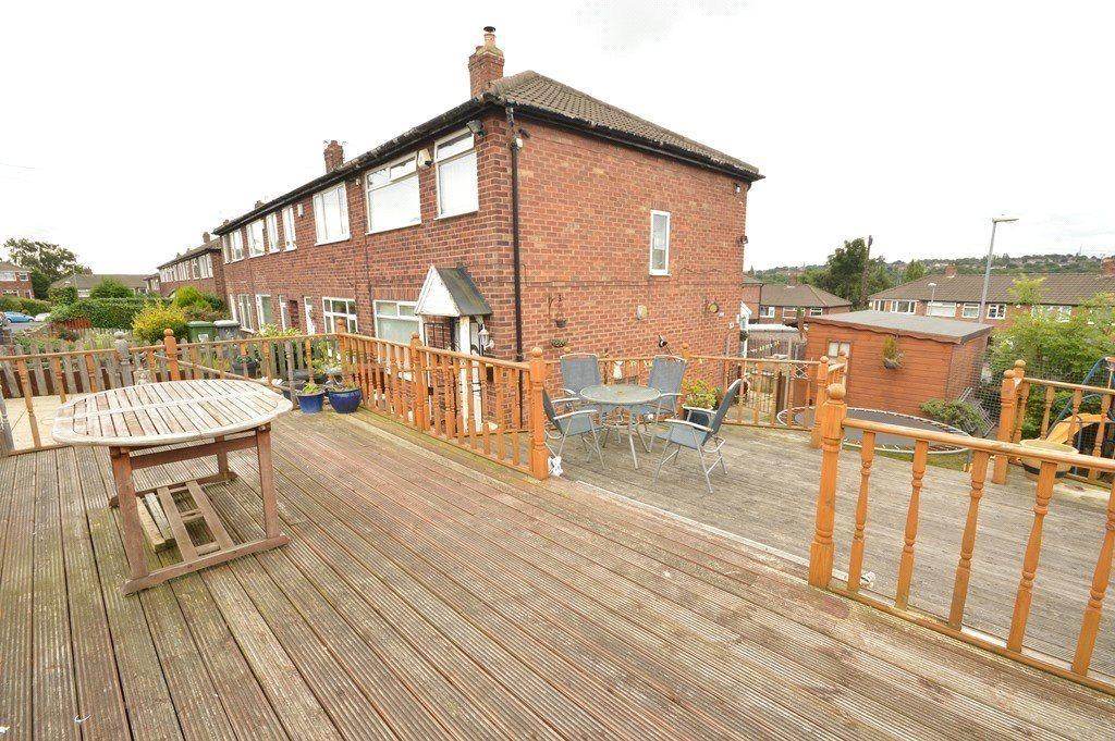 3 Bedrooms Terraced House for sale in Vesper Way, Kirkstall, Leeds