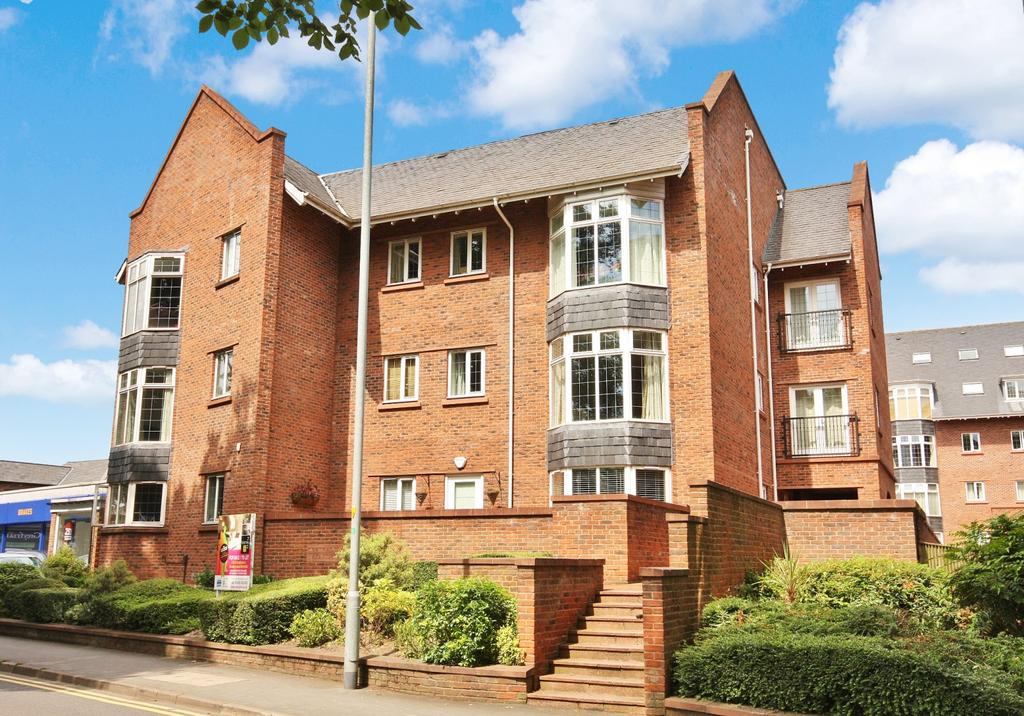 2 Bedrooms Apartment Flat for sale in Central Place, Station Road, Wilmslow