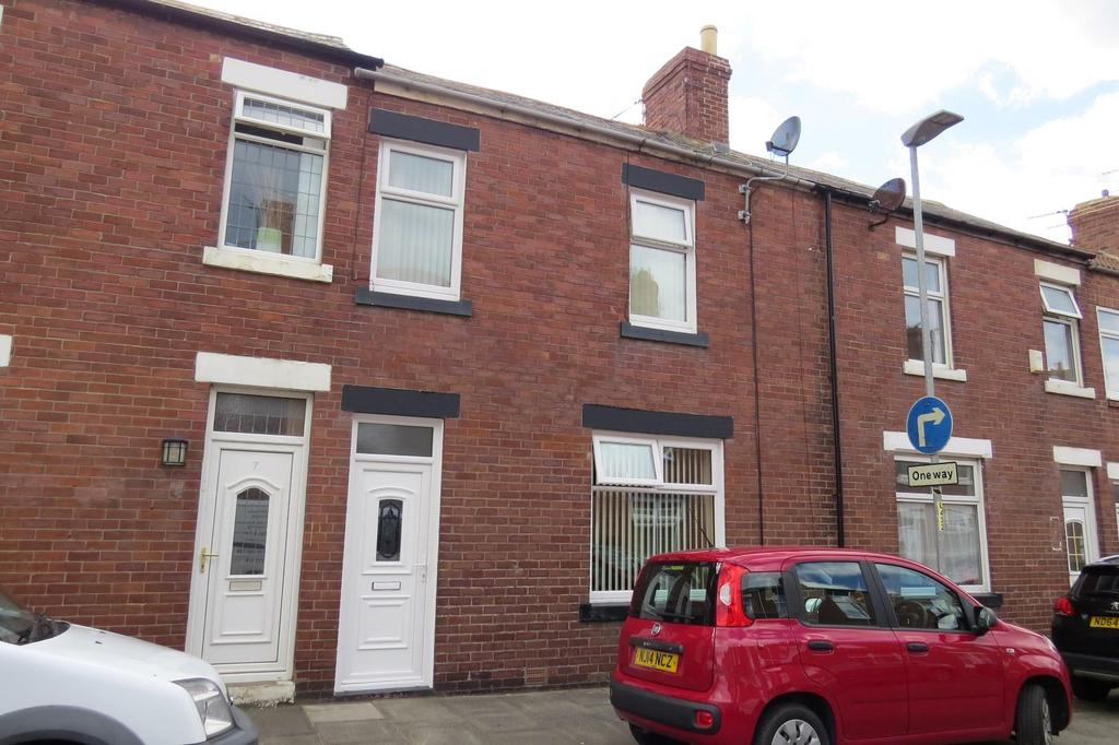 3 Bedrooms Terraced House for sale in Simonside Terrace, Newbiggin-By-The-Sea
