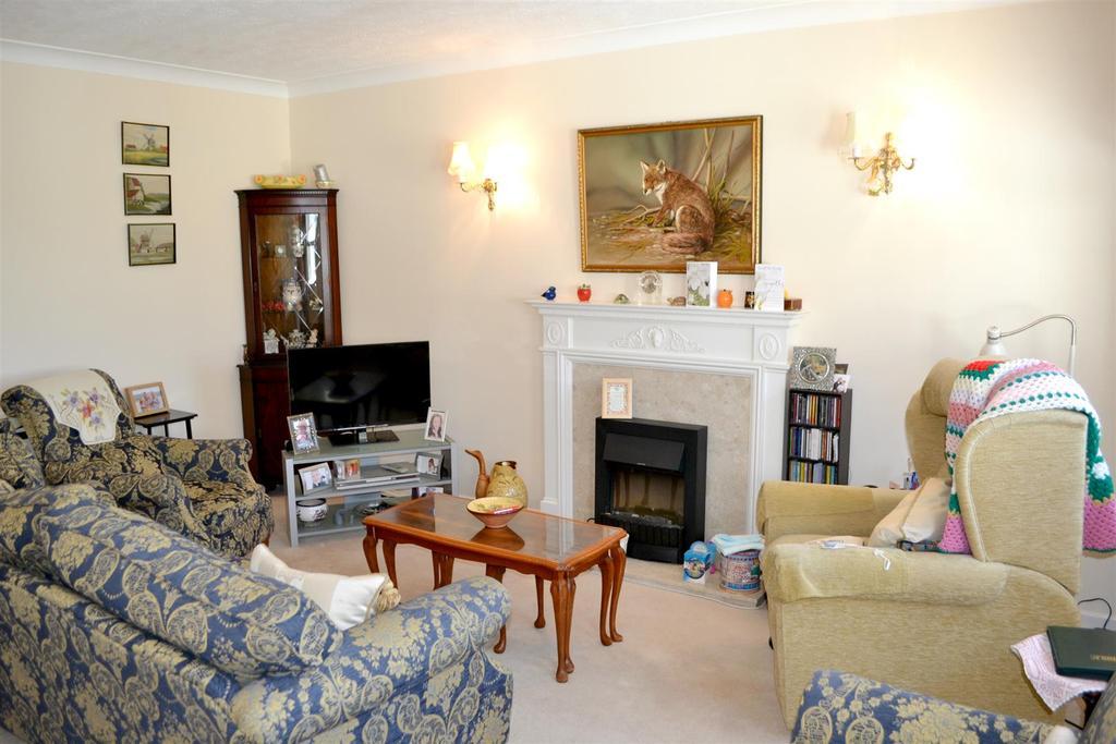 2 Bedrooms Retirement Property for sale in Barum Court, Barnstaple