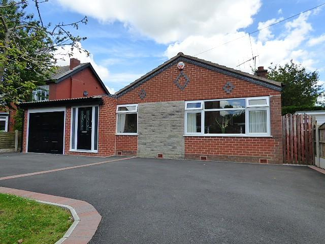 4 Bedrooms Detached Bungalow for sale in Twiss Green Lane, Culcheth, Warrington