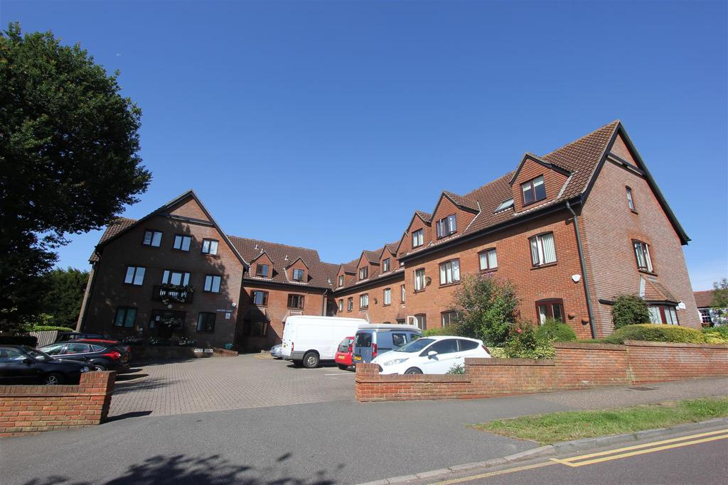 1 Bedroom Retirement Property for sale in Chelmsford Road, Shenfield, Brentwood