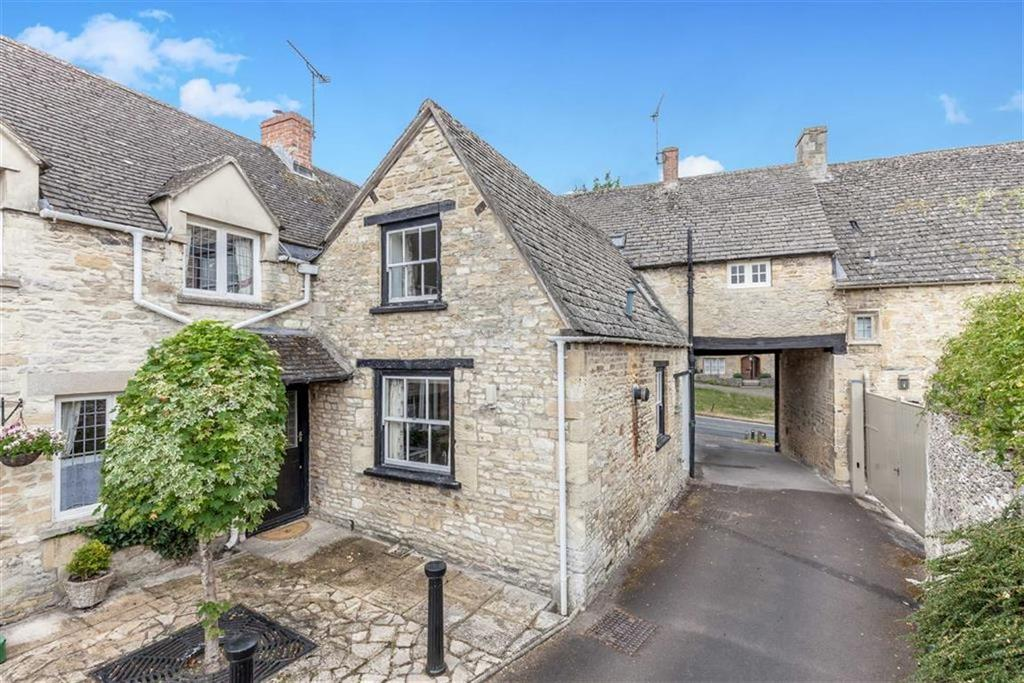 2 Bedrooms Cottage House for sale in The Hill, Burford, Oxfordshire