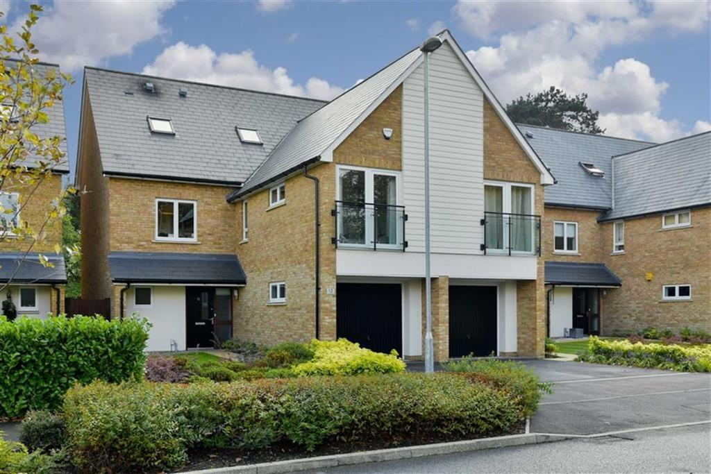 4 Bedrooms Semi Detached House for sale in Parkview Way, Epsom, Surrey