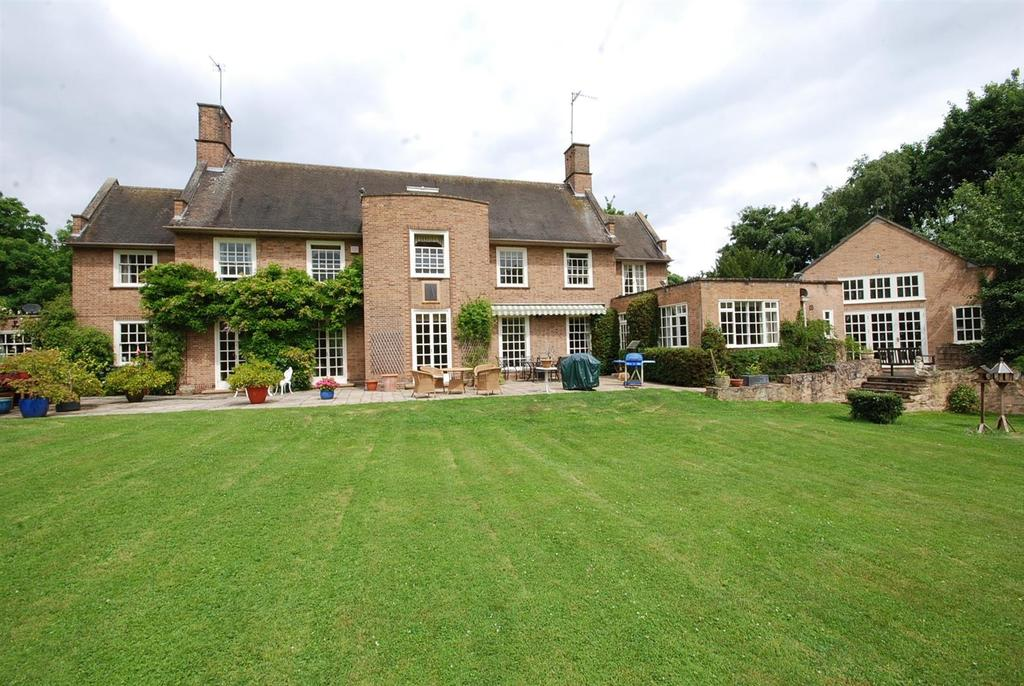 5 Bedrooms Country House Character Property for sale in Burgage Lane, Southwell