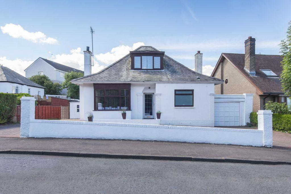 3 Bedrooms Detached Bungalow for sale in 5 Garvock Drive, Eastwood, Glasgow, G43 1JH