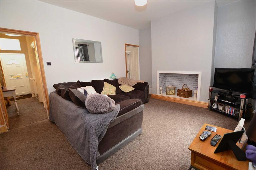 2 Bedrooms Terraced House for sale in Burnley Road, Padiham, Lancashire