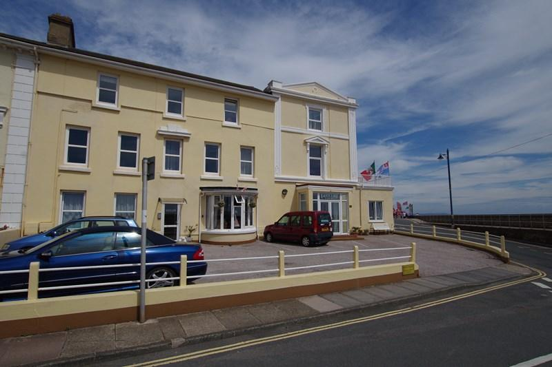 3 Bedrooms Flat for sale in Mere Lane, Teignmouth