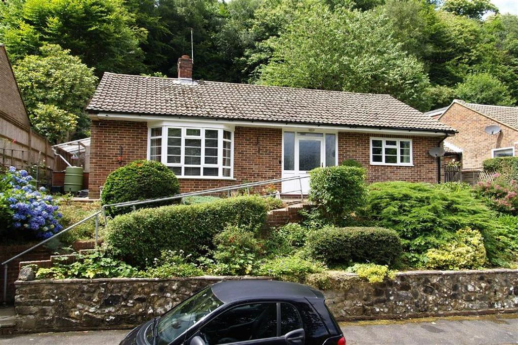 3 Bedrooms Detached Bungalow for sale in Cherry Tree Avenue, Haslemere, Surrey, GU27