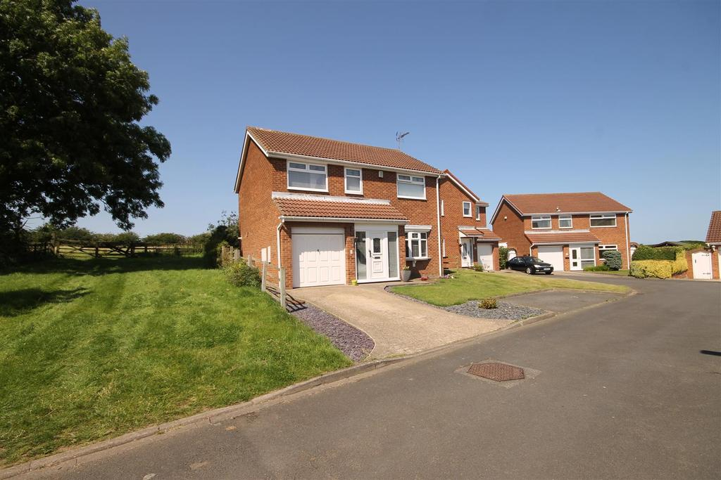 4 Bedrooms Detached House for sale in Otterington Close, Hart Village, Hartlepool