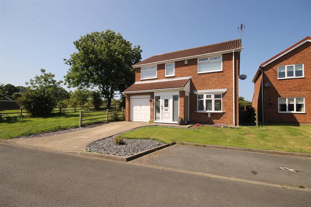 4 Bedrooms Detached House for sale in Otterington Close, Hart Village, Hartlepool