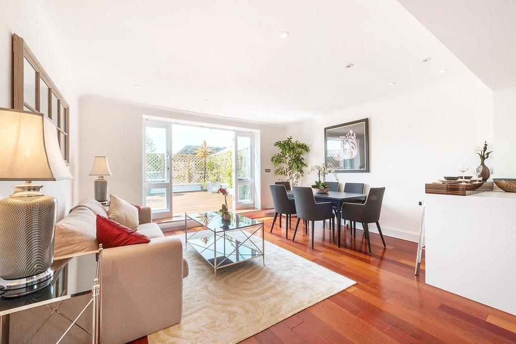 2 Bedrooms Penthouse Flat for sale in Cadogan Square, Knightsbridge, London, SW1X