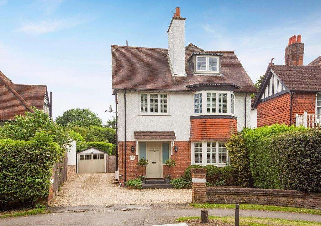 5 Bedrooms Detached House for sale in Park Lane, Beaconsfield, HP9