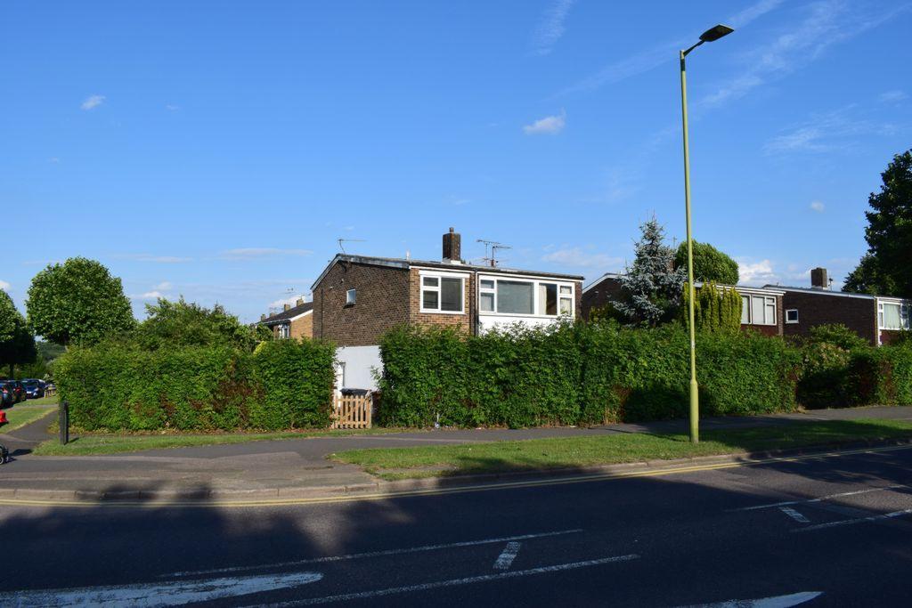 5 Bedrooms Link Detached House for sale in Bishops Rise, Hatfield, AL10