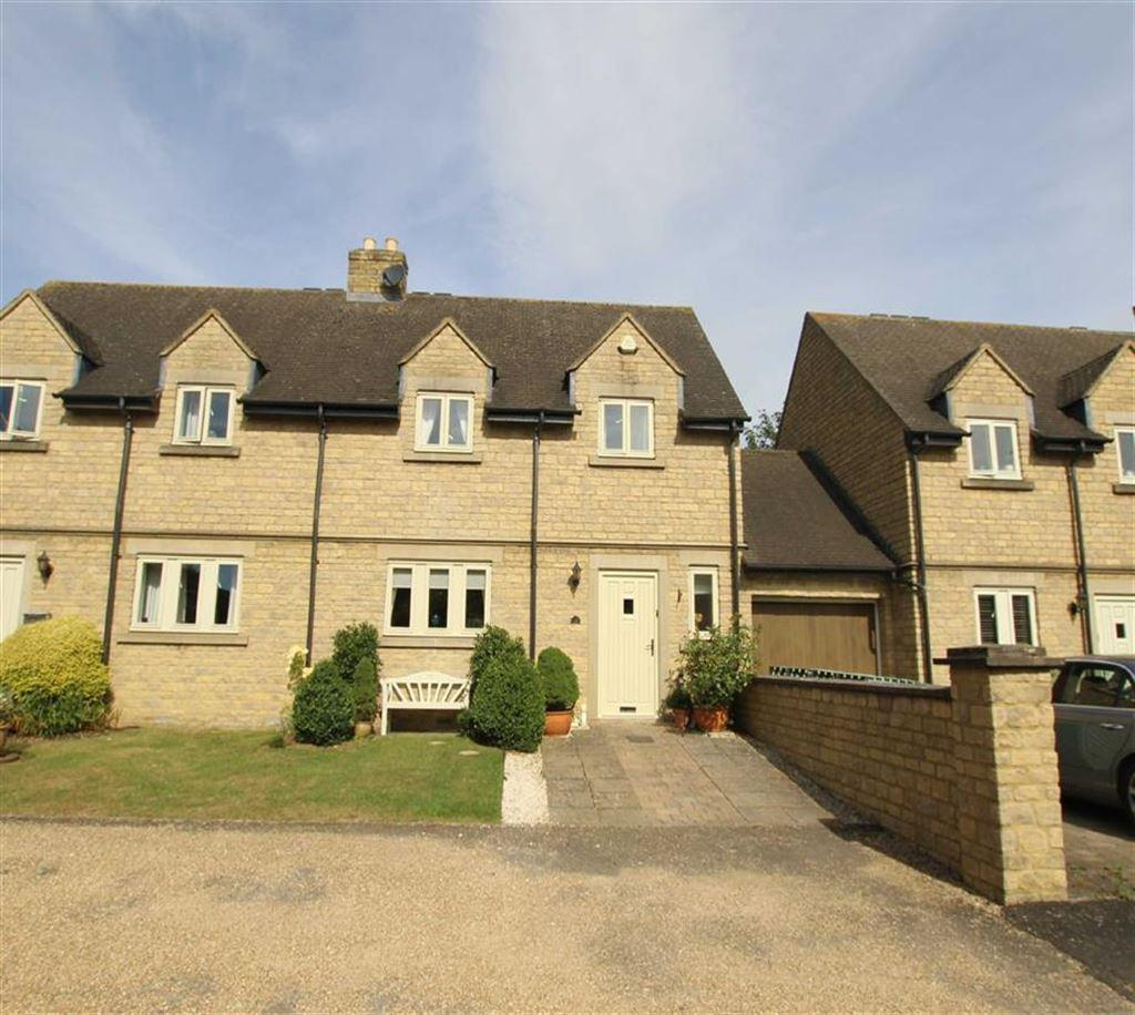 4 Bedrooms Detached House for sale in 12, Thomas Crewe Close, Brackley