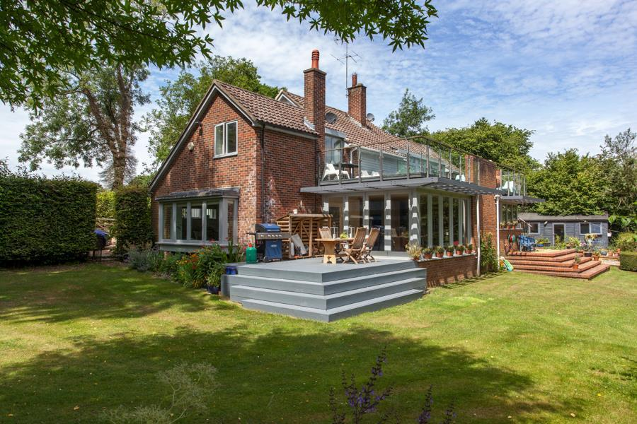 5 Bedrooms Detached House for sale in North West of Henley-on-Thames