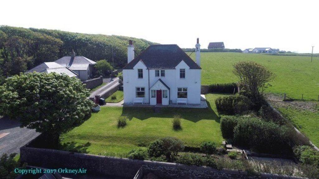 3 Bedrooms Detached House for sale in Berstane Farmhouse, St Ola