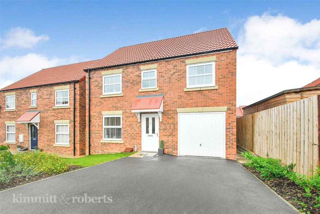 4 Bedrooms Detached House for sale in Goldfinch Road, Easington Lane, Tyne and Wear, DH5
