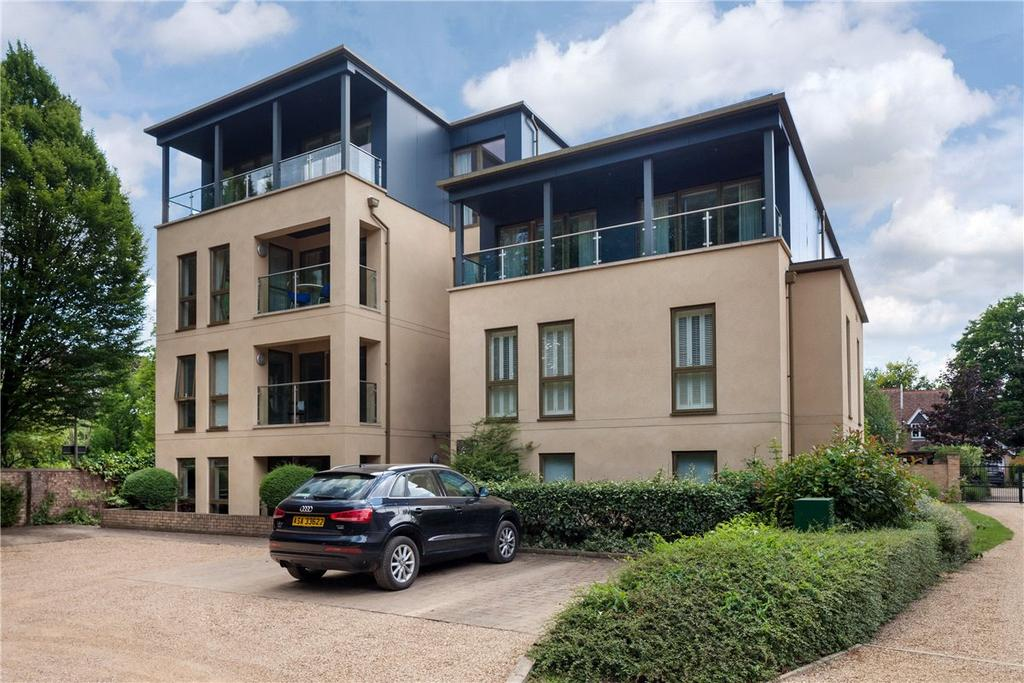 3 Bedrooms Apartment Flat for sale in Lexington House, 10 Long Road, Cambridge, CB2
