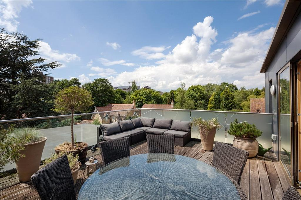 3 Bedrooms Apartment Flat for sale in Lexington House, 10 Long Road, Cambridge, CB2