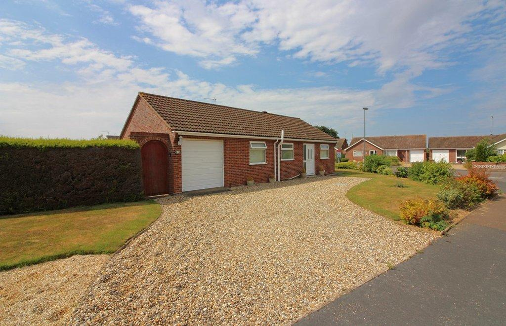 2 Bedrooms Detached Bungalow for sale in Swafield Rise, North Walsham