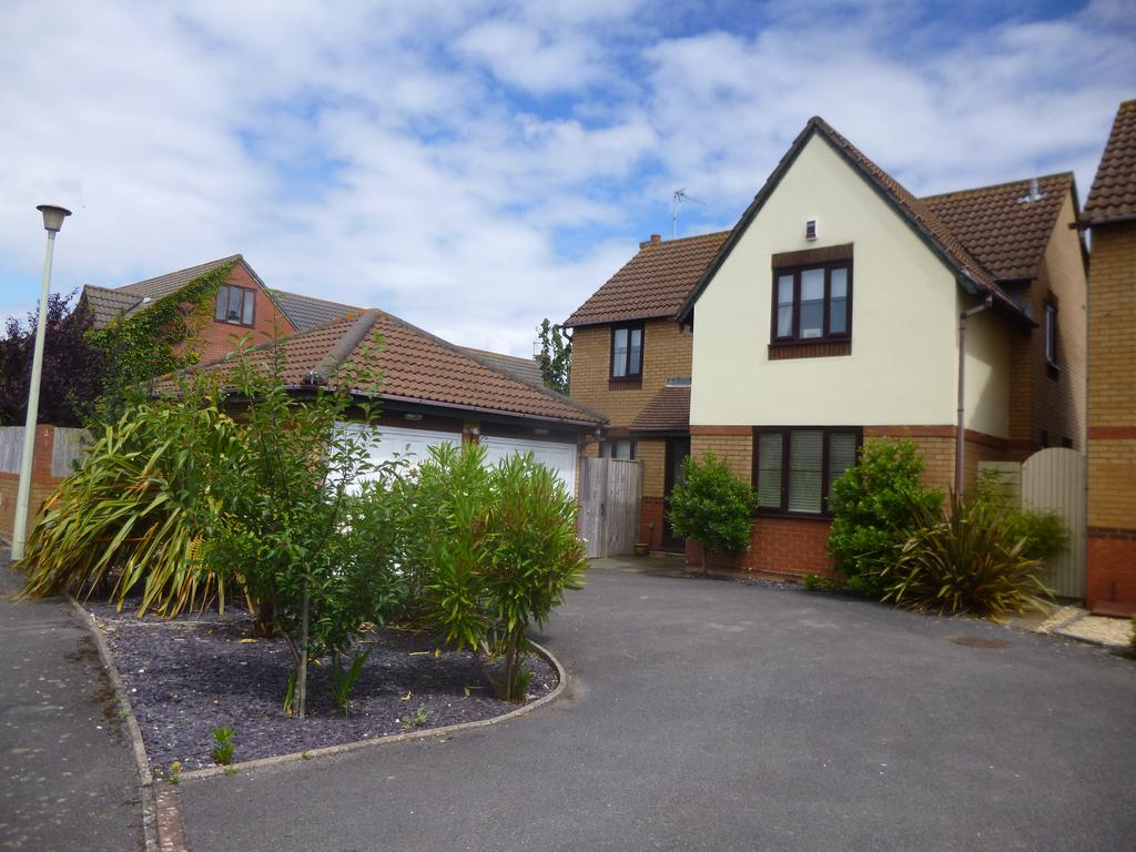 4 Bedrooms Detached House for sale in The Burrows, Porthcawl CF36