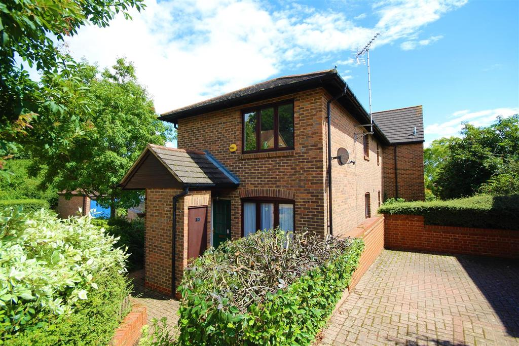1 Bedroom Maisonette Flat for sale in Gooch Close, Twyford