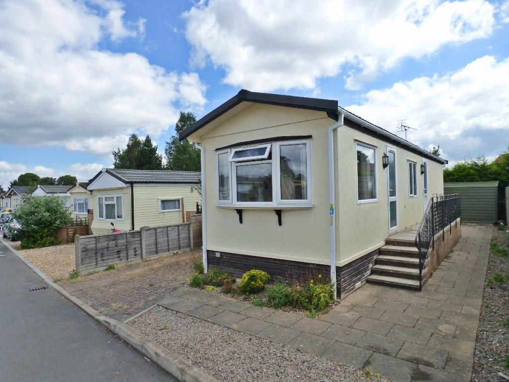 2 Bedrooms Park Home Mobile Home for sale in Fayre Oaks Park Home Site, Kings Acre, Hereford