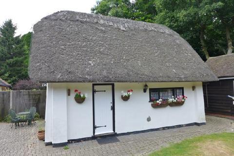 1 Bedroom Cottage To Romsey Salisbury Road Furnished