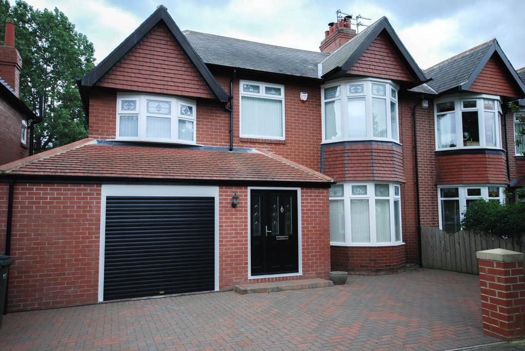 5 Bedrooms Semi Detached House for sale in Valley Drive, Low Fell
