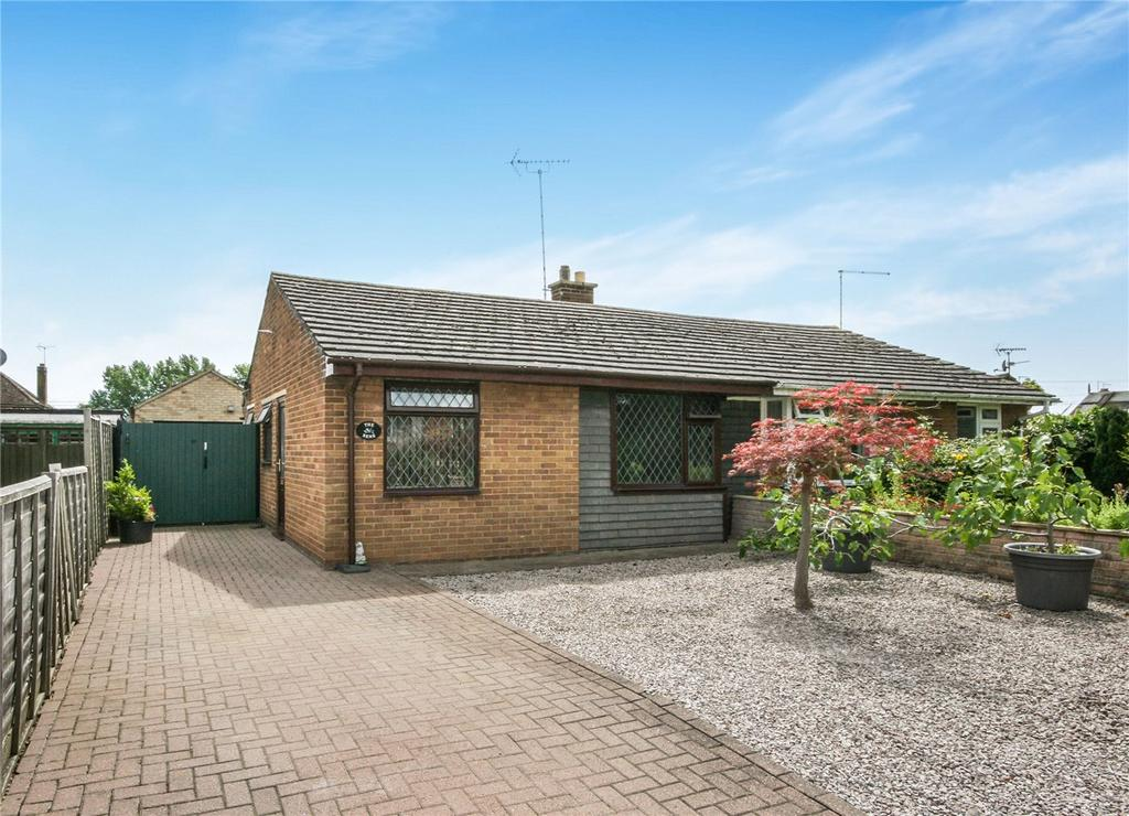 2 Bedrooms Semi Detached Bungalow for sale in Millfield Road, Morton, Bourne, PE10