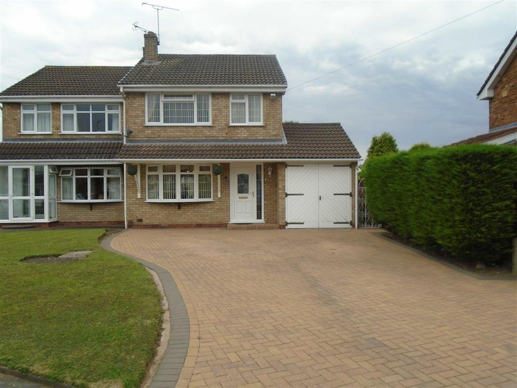 3 Bedrooms Semi Detached House for sale in Malvern Avenue, Stockingford, Nuneaton, Warwickshire, CV10