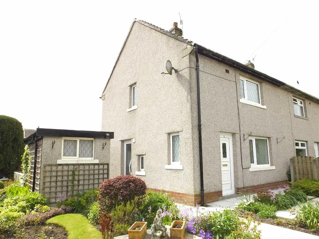 2 Bedrooms Semi Detached House for sale in Blakeley Crescent, Barnoldswick, Lancashire, BB18
