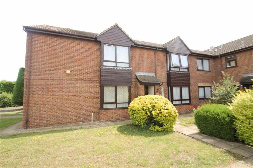 2 Bedrooms Semi Detached House for sale in Grange Court, Clacton-on-Sea