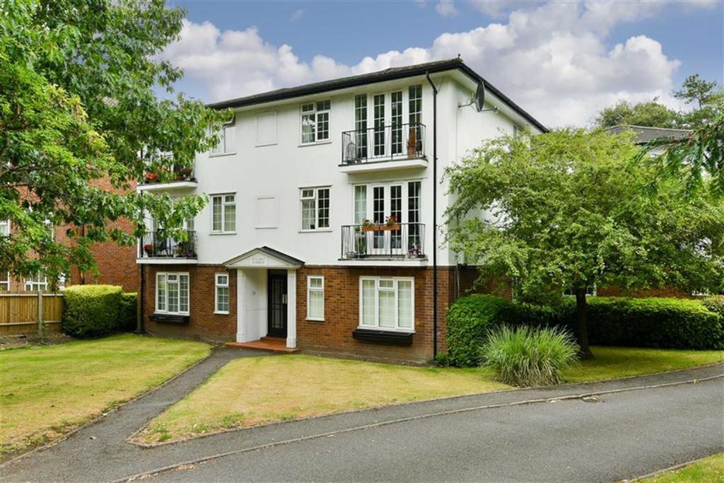 1 Bedroom Flat for sale in Stuart Lodge, Epsom, Surrey