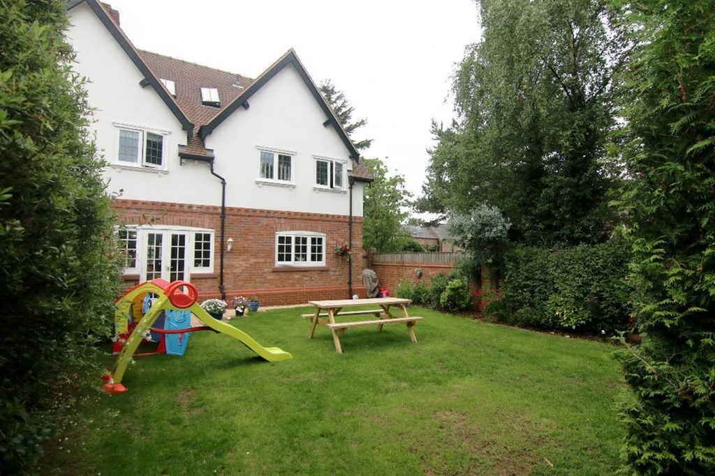 4 Bedrooms Semi Detached House for sale in Barton Road, Barton