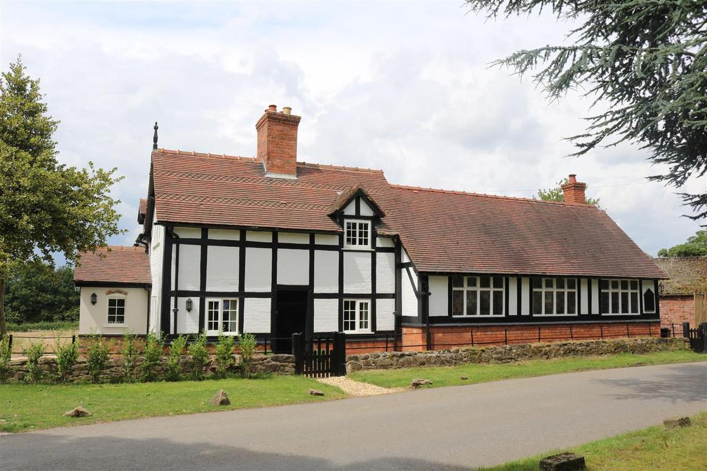 3 Bedrooms Detached House for sale in Freasley common, Freasley, Tamworth