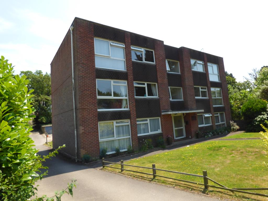 2 Bedrooms Flat for sale in 31 Guest Avenue, Poole BH12