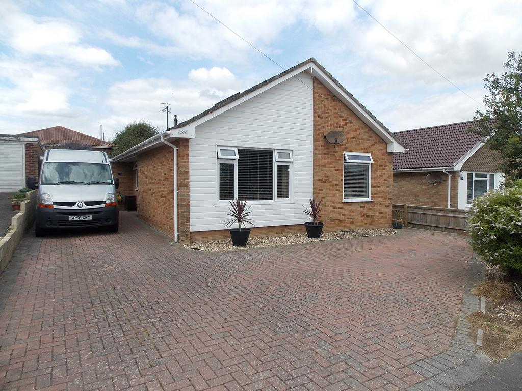 3 Bedrooms Detached Bungalow for sale in Bramber Avenue North, Peacehaven, East Sussex