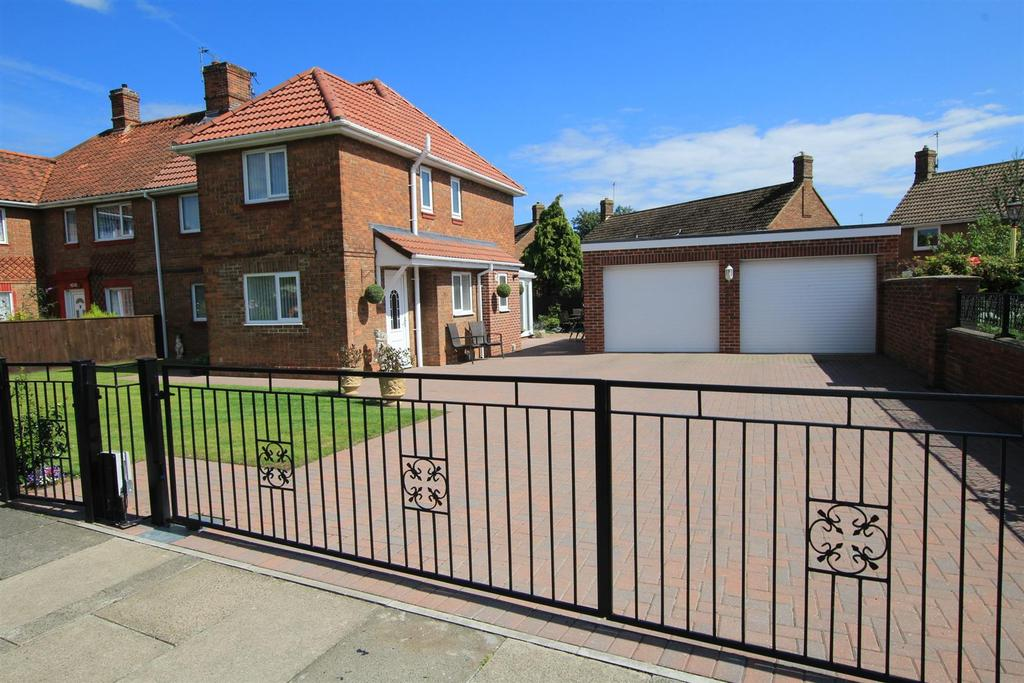 3 Bedrooms Semi Detached House for sale in Sheraton Road, Newton Aycliffe