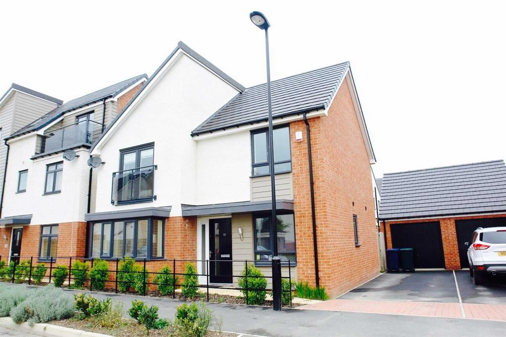 4 Bedrooms Detached House for rent in Leasingthorne Way, Brunton Village, Newcastle Upon Tyne
